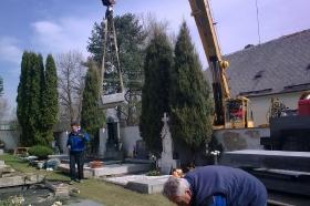 Oprava válečného hrobu_10