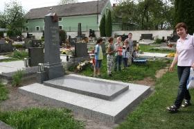 2012 Oprava hrobu_1